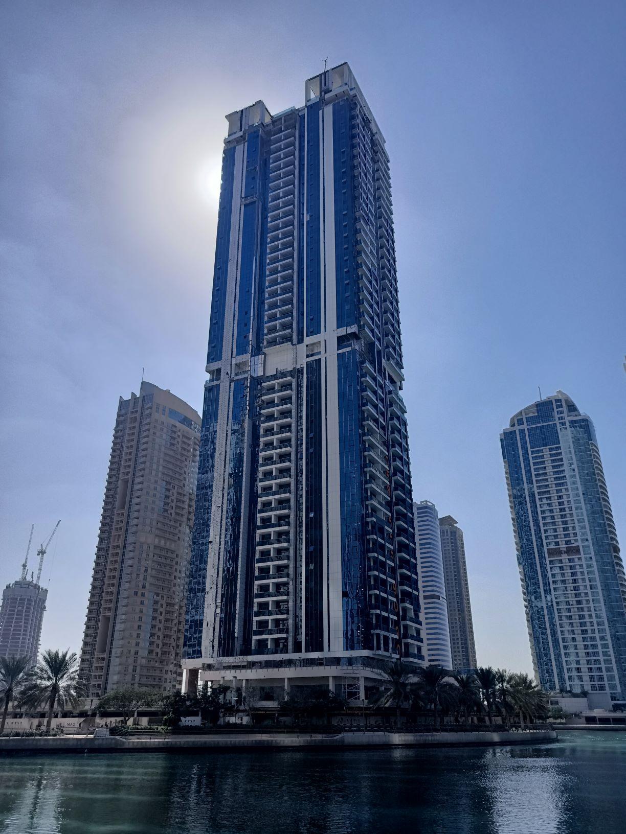 Mixed Use Building At Jumeirah Lake Towers, Dubai, Uae